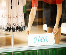 What are the steps to starting a small business?